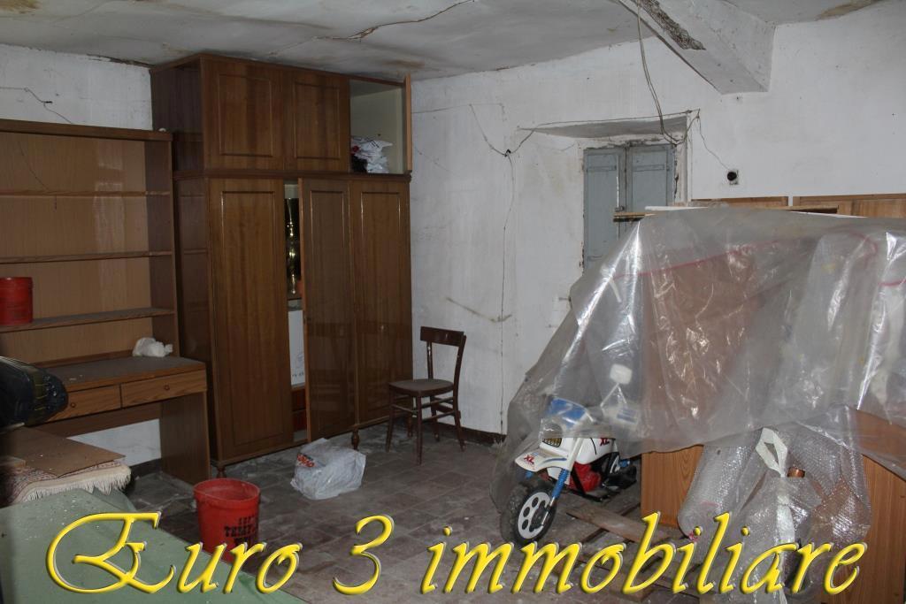 2454 CASA CIELO-TERRA VENDITA ASCOLI PICENO
