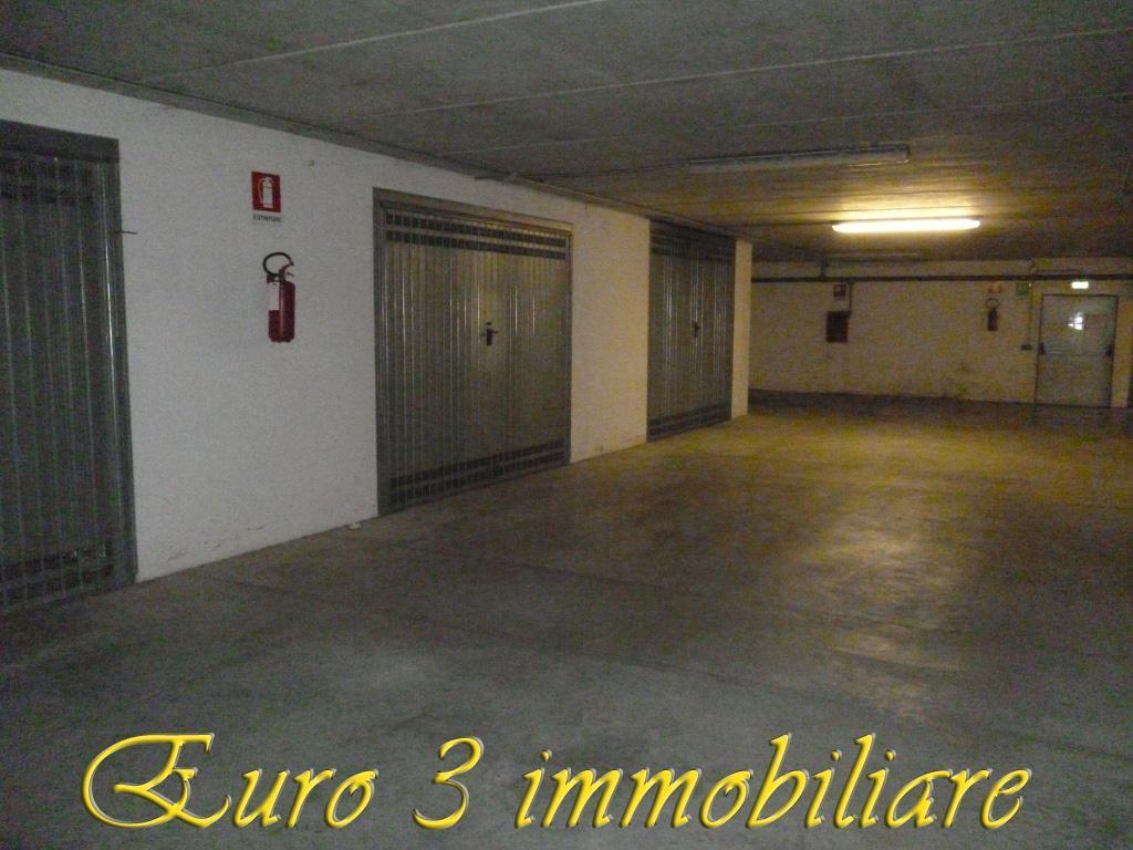 2466 GARAGE RENT TO BUY ASCOLI PICENO2