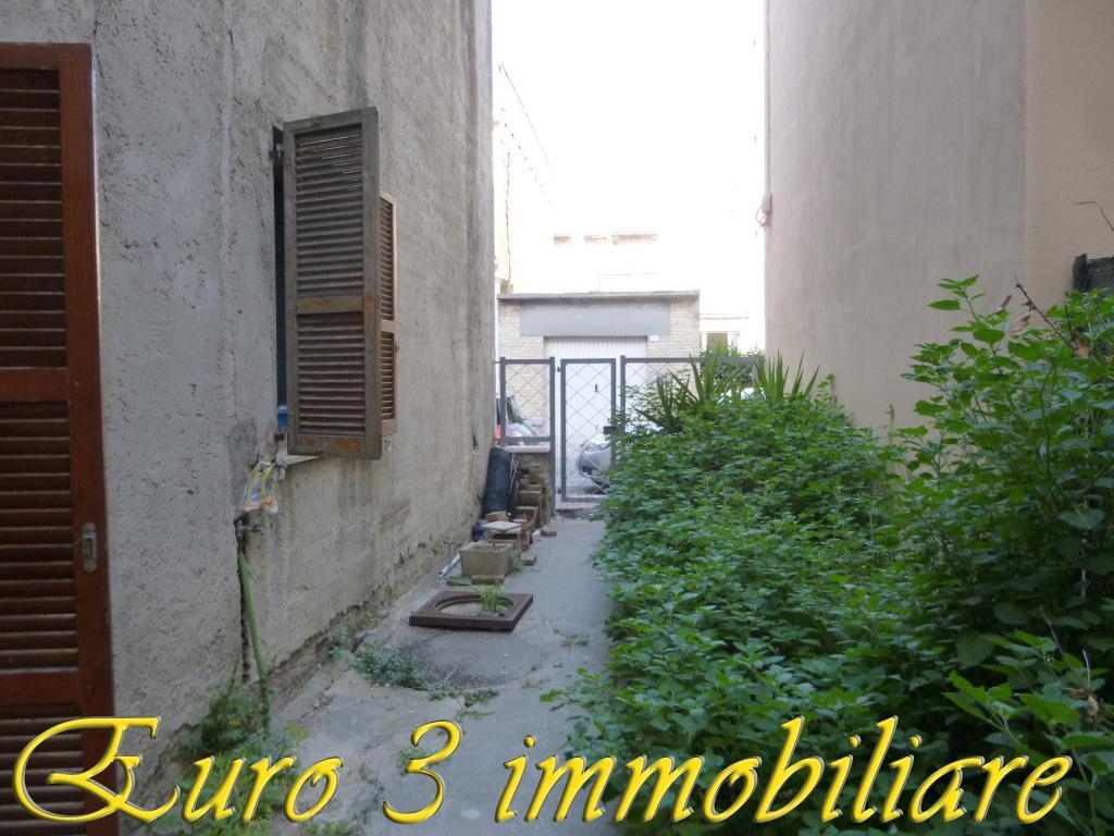 2704 CASA SINGOLA VENDITA GROTTAMMARE
