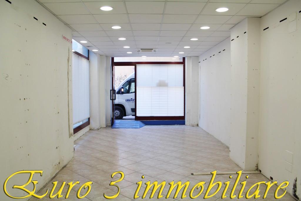 2718 LOCALE COMMERCIALE VENDITA SAN BENEDETTO DEL TRONTO 1